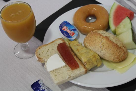 Catalunya Express : Breakfast
