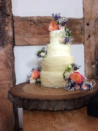 The Cider Barn: Wedding Cake