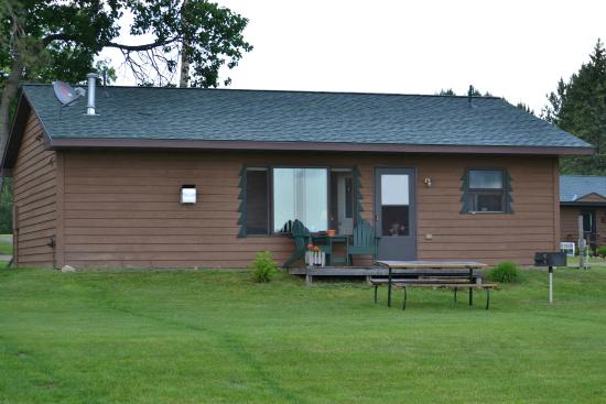 Lake Shore, MN: An example of a cabin