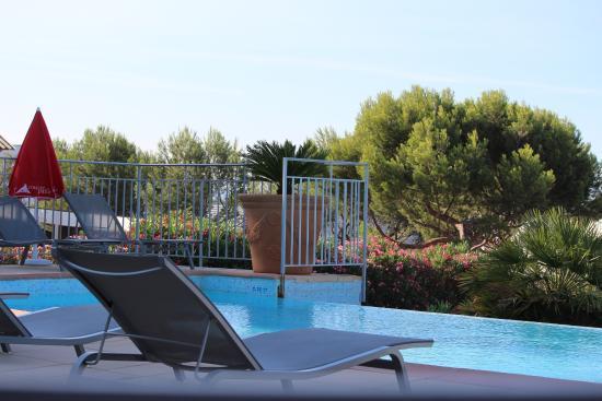 La piscine picture of ibis la ciotat la ciotat for Camping la ciotat avec piscine