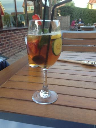 The Aldwark Arms: my pimms!