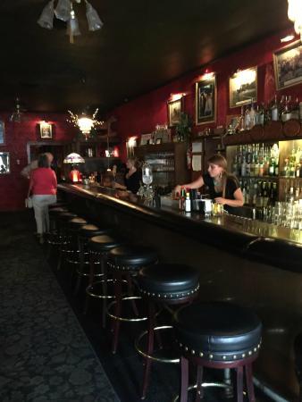 Virgil's At Cimmiyotti's : The bar at Virgil's