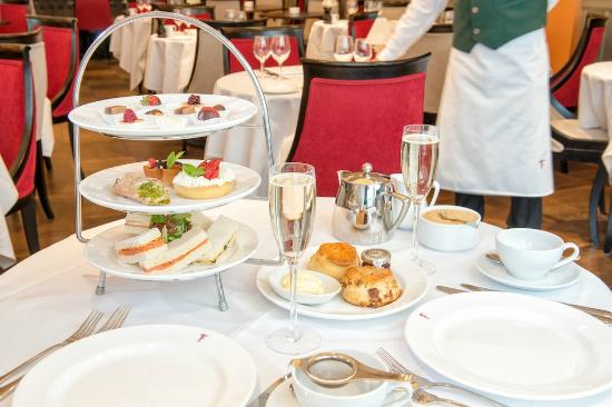 Franco's : Champagne Afternoon Tea