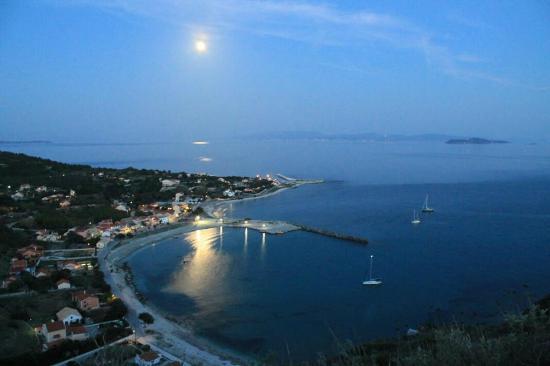 Othonoi, Grécia: Άμμος, Οθωνοί