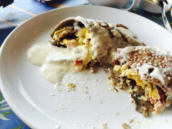 The French Bakery: The savory crepes are absolutely excellent!!!