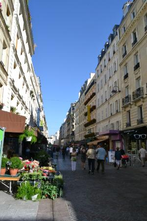 Rue cler 1 picture of rue cler paris tripadvisor for Cler hotel paris