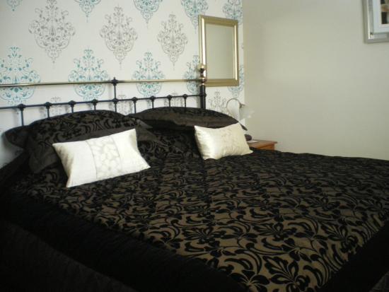 Laurel House: Rowan room
