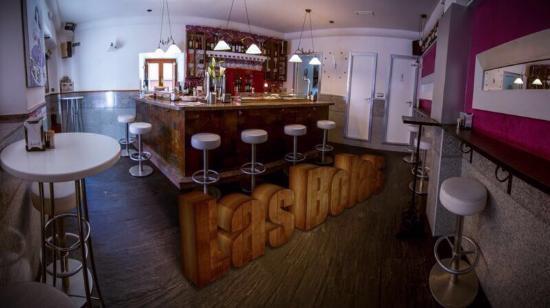 Las Bolas bar