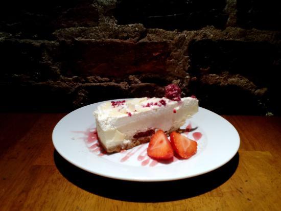 Blue Lounge Scarborough: Raspberry Cheesecake