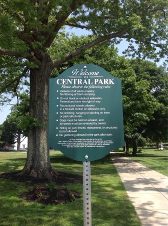 Clinton, MA: Rules of the Park