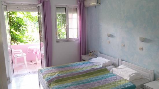 Livadi Apartments: Camera