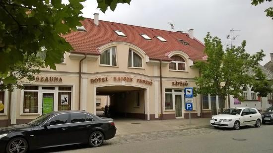 Kaiser Panzio Hotel: Ingresso
