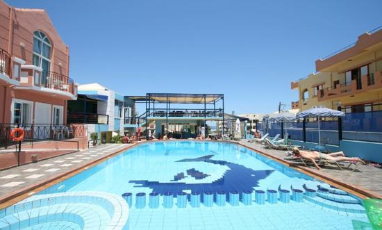 Epimenidis Hotel: Pool area