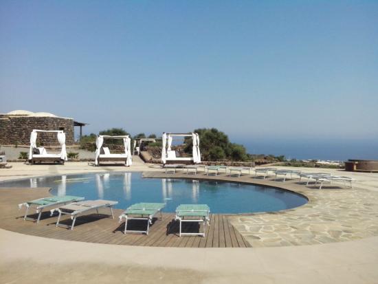 Piscina picture of dammusi al qubba wellness resort pantelleria tripadvisor - Dammusi con piscina pantelleria ...