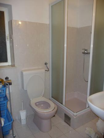 Apartment Peppino : Baño