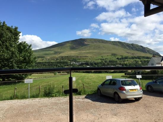 Threlkeld Coffee Shop: The view from the outdoor seating area
