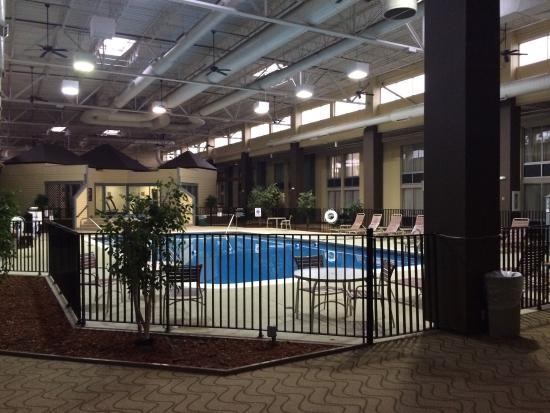 Comfort Inn & Suites Syracuse Airport: Big area for entertaining