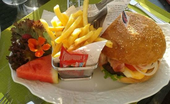 Landgasthof Seeblick: Riesen Hamburger