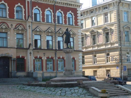 Statue of Torkel Knutsson