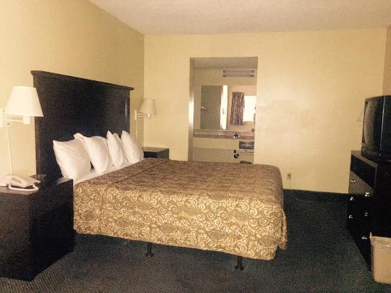 Highway Inn Chula Vista : Single King