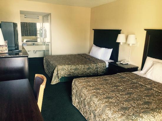Highway Inn Chula Vista : Double Room