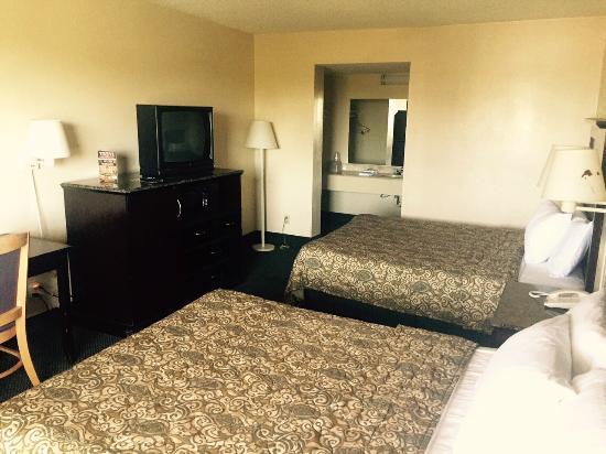Highway Inn Chula Vista: Double Room