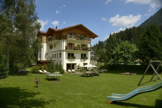 Familienhotel & Residence St. Nikolaus