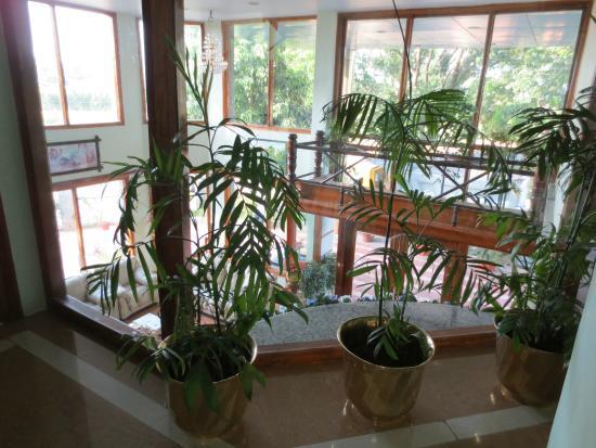Hotel Presidency: Blick in die Lobby/ Empfang von oben.
