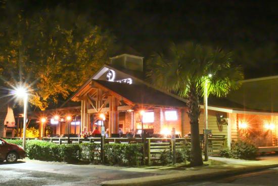 The Smokehouse: Outdoor Bar NOW OPWn