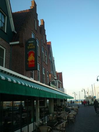 elewacja frontowa hotelu