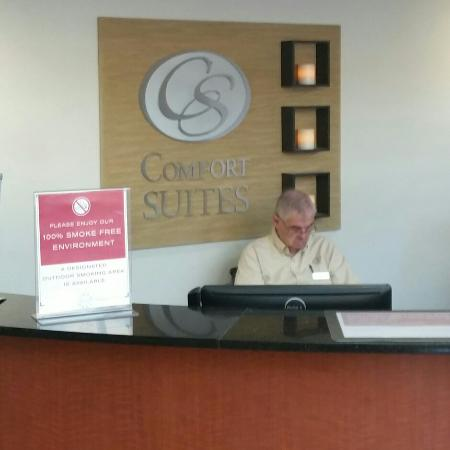 Comfort Suites Morrow: Front desk service was happily taking a siesta as I approached the desk. He never woke up either