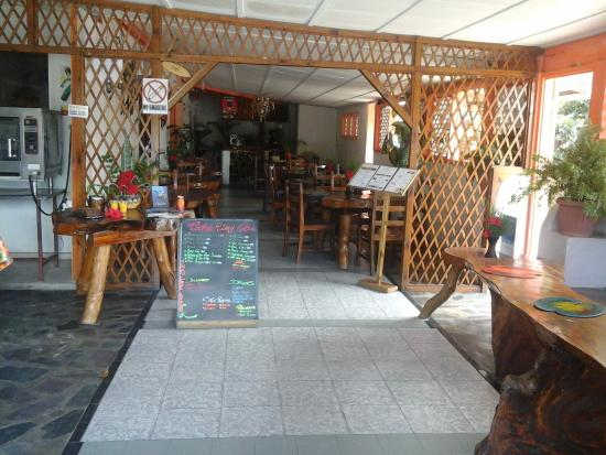 Coco Rouge Take Away and Cafe: as you come in