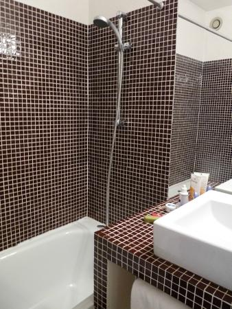 Hotel d'Orsay: Zimmer 508 - Badezimmer