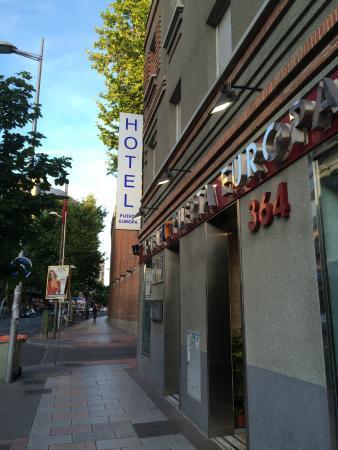 Hotel 4C Puerta Europa: Entrada do hotel