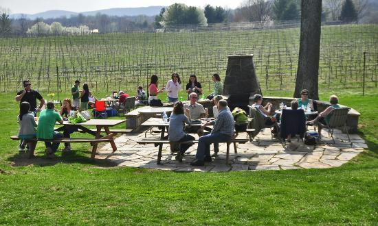 The Winery At La Grange: The BBQ Patio At La Grange!
