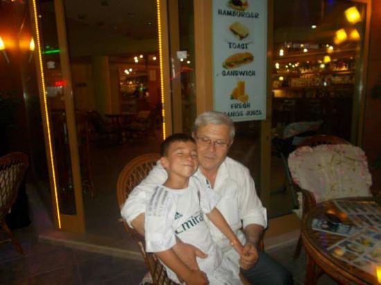 Parkim Ayaz Otel: With mehmet the night manager. Xxx
