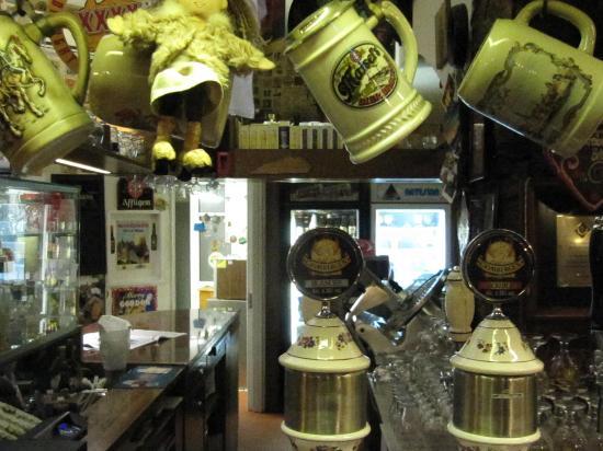 Antonietti Igor Moon Pub