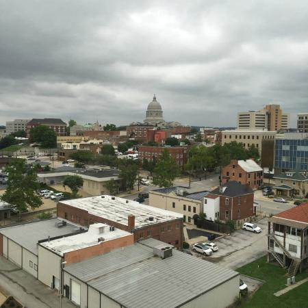 DoubleTree by Hilton Jefferson City: View of Capitol building