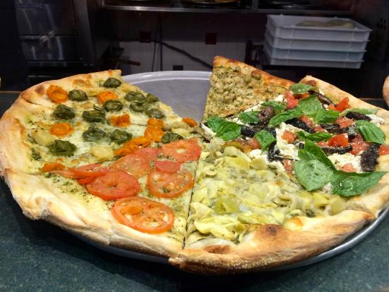 Amherst, MA: Pizza slices at Antonio's Pizza
