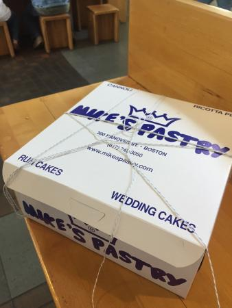 Mike's Pastry: ��