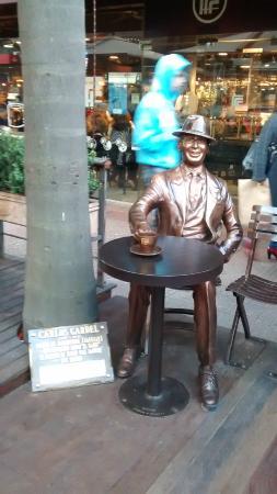 Monumento a Carlos Gardel,