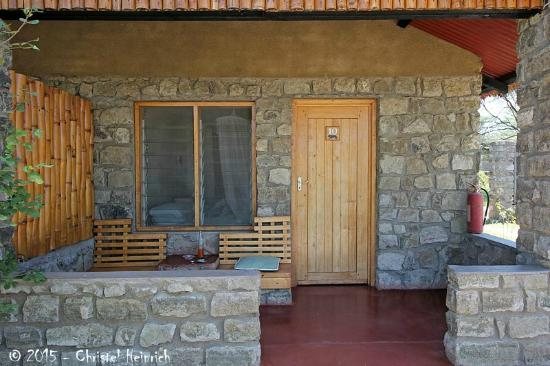 Ndutu Safari Lodge: Zimmer 10 - Terrasse