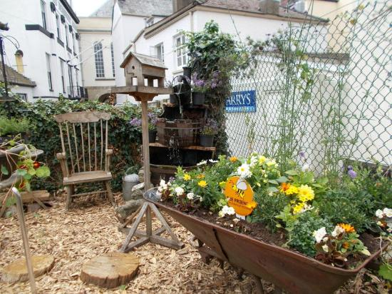 The Potting Shed Vintage Garden Teas And Seasonal Plants