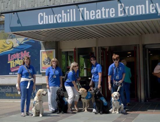 Churchill Theatre ภาพถ่าย