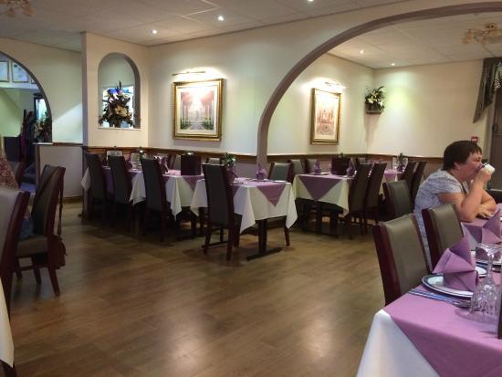 Gulshan: Lovely decor, lighting and seating arrangements.
