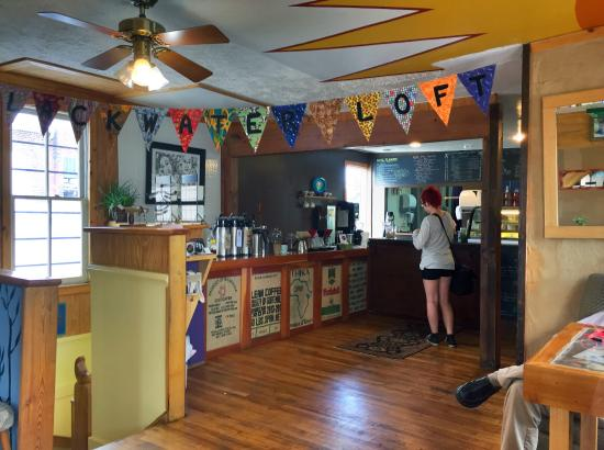 Black Water Loft: Great coffee in a great location, with tasty treats and free speedy wi-fi!