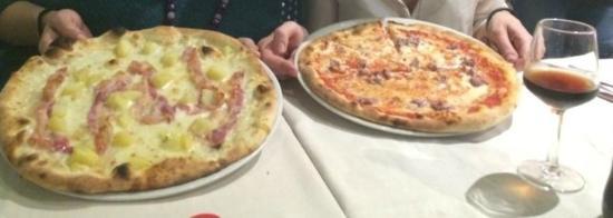 Pizzeria da Arturo: Pizze enormi e buonissime
