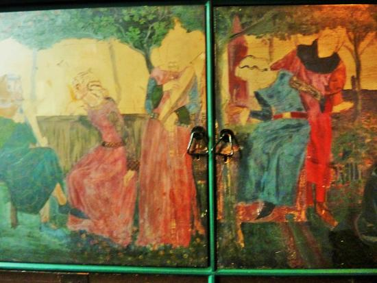 red house edward byrne jones wall paintings in the drawing room