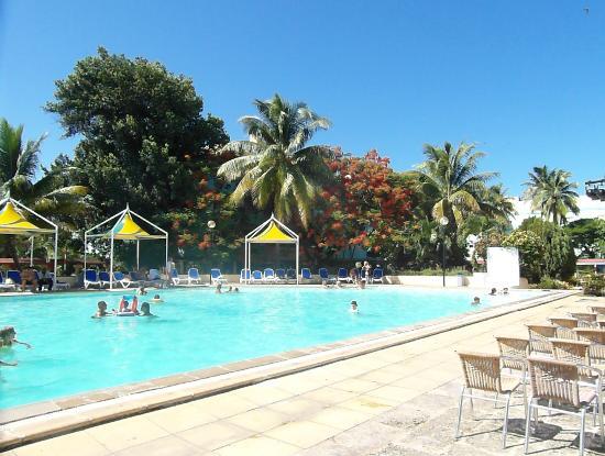 Piscine picture of islazul mar del sur aparthotel for Club piscine montreal locations