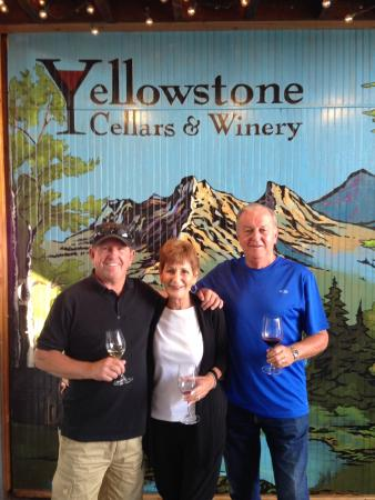 ‪Yellowstone Cellars & Winery‬